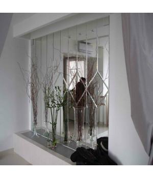 Зеркальное панно в гостиную в стиле неоклассика